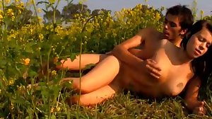 Curvy babe fucked out in the field