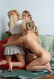 Lesbian fuck-party for naughty girlfriends